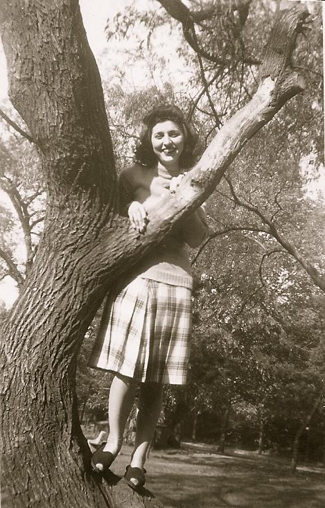 MOM CLIMBING A TREE